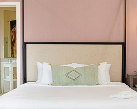 The-Retreat_Premium-Room_14